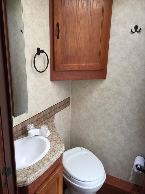 2013 Coachmen Freelander Bathroom