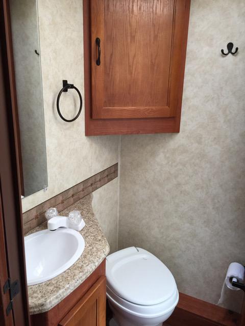 2013 Coachmen Freelander Bathroom