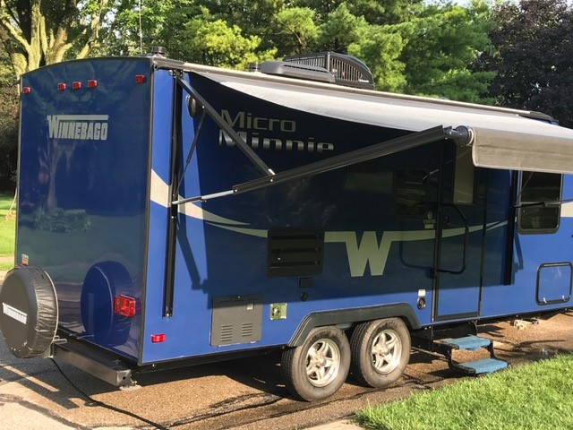 2016 Winnebago Micro Minnie Travel Trailer with Exterior Awning Open