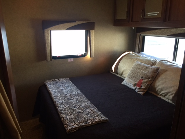 2013 Jayco Greyhawk Bedroom