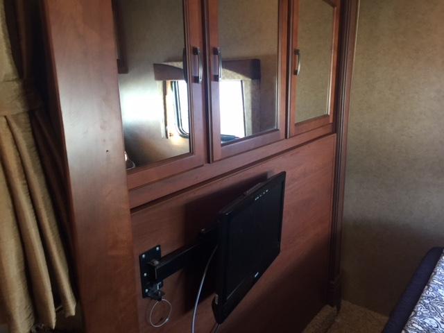 2013 Jayco Greyhawk Bedroom Closets and TV